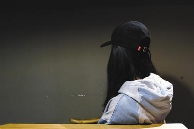 李欢说,她不能恨自己的父母,她要想办法救他们。